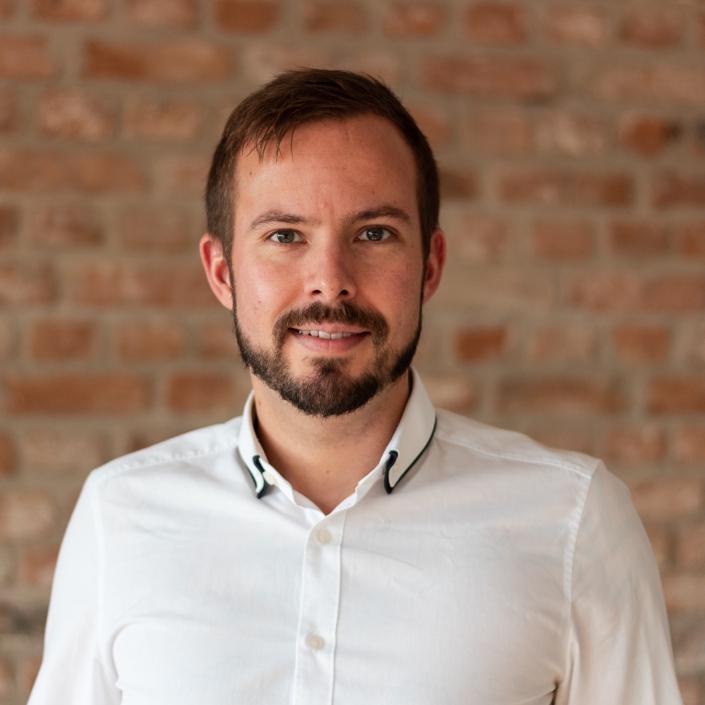 Christoph Huebner ist Geschäftsführer bei kinder-privat-versichern.de
