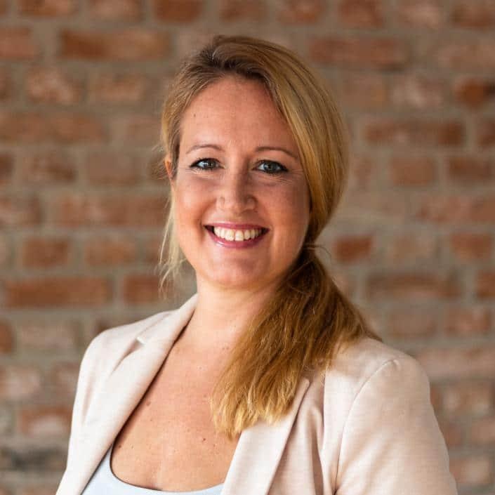 Leona Spauszus ist Versicherungskauffrau bei kinder-privat-versichern.de