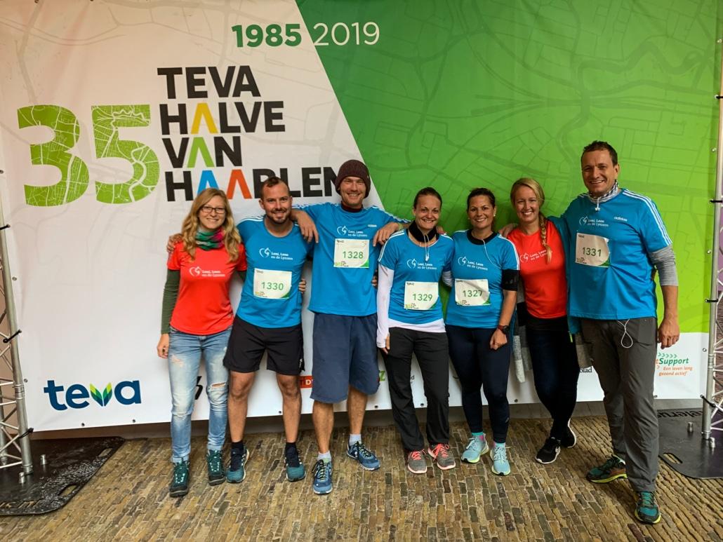 Das Team von kinder.versicherung vor dem Start des Halbmarathons im September 2019 in den Niederlanden: Steffi, Christoph, Jakob, Elisabeth, Anne, Leona & Markus